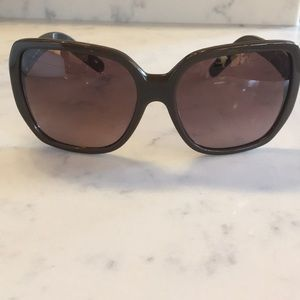 Chloé brown sunglasses with dust cloth and case